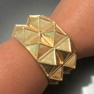 Kenneth Jay Lane Pyramid bracelet in Gold